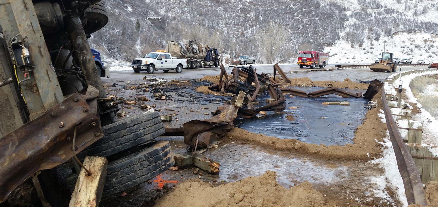 Highway emergency rollover spill response team